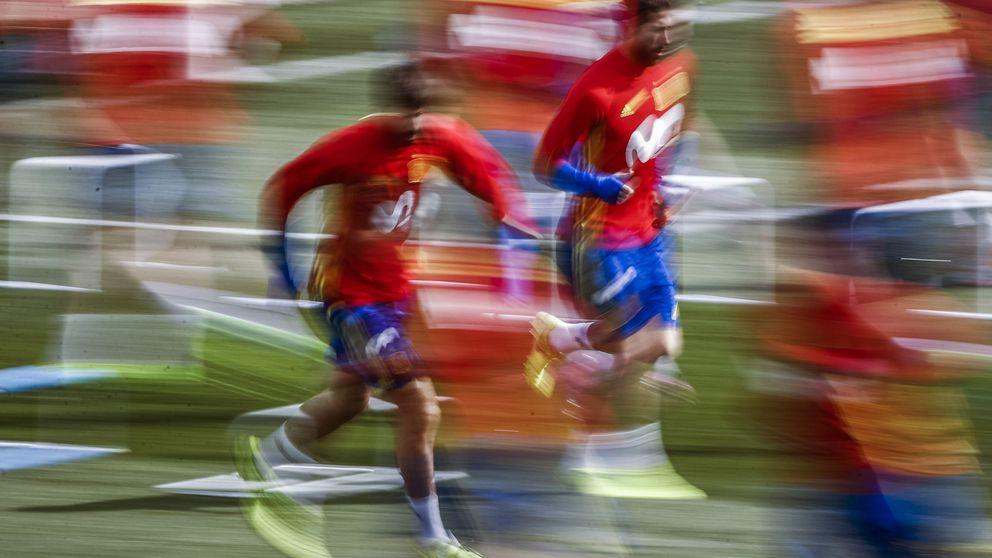 La alianza de Ramos y Piqué hace que la Selección deje 'tirada' a Gijón