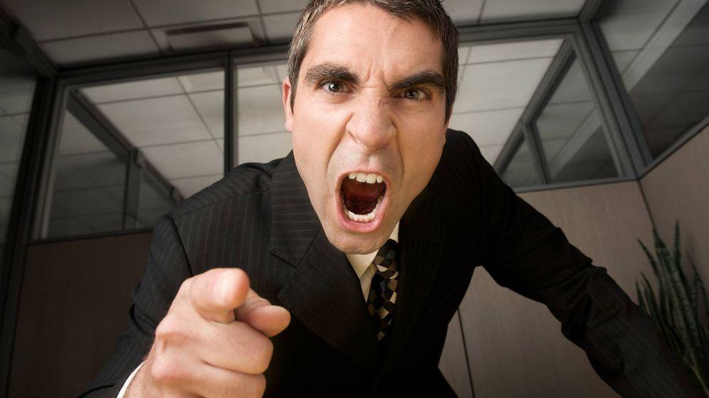 """""""Estoy desesperado: mi jefe es intratable, me humilla y su ánimo cambia constantemente"""""""
