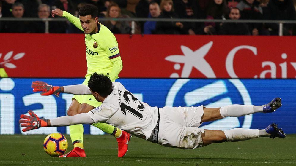 Foto: Coutinho en una jugada de ataque contra el Girona. (Efe)