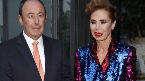 Ágatha Ruiz de la Prada y Luis Miguel Rodríguez oficializan su relación con un posado