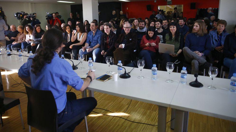 Foto: El líder de Podemos, Pablo Iglesias, durante la primera reunión del consejo ciudadano estatal elegido en la II Asamblea Ciudadana de Podemos. (EFE)