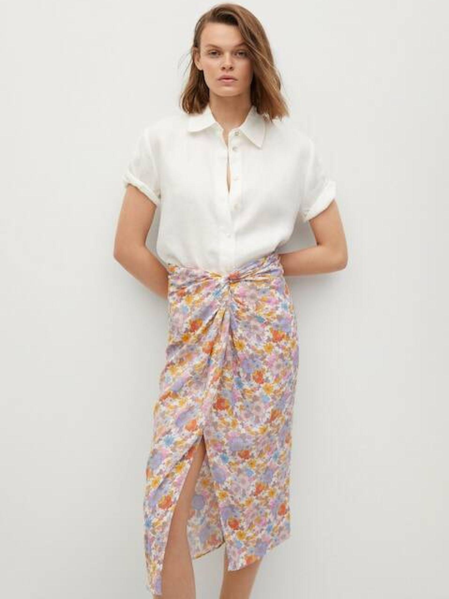 Falda pareo de Mango para estilizar la silueta. (Cortesía)