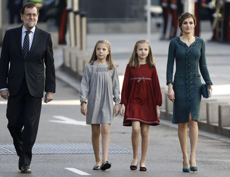 Mariano Rajoy junto a Doña Letizia y sus hijas