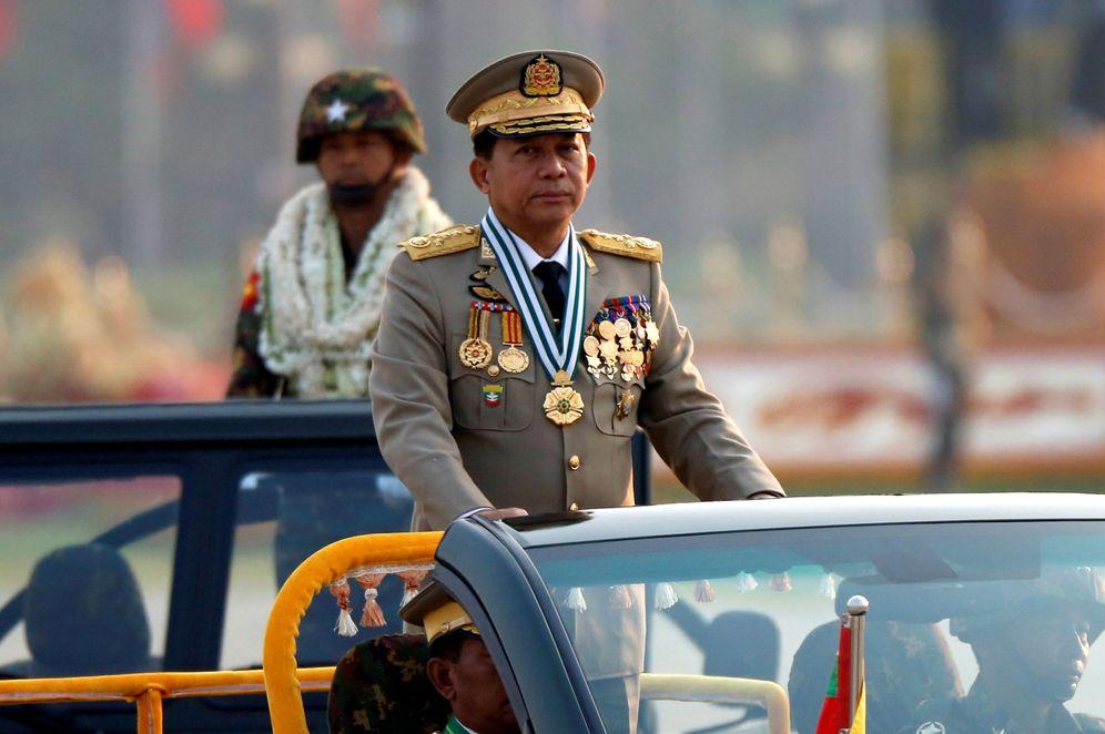 Foto: El general Min Aung Hlaing participa en un desfile durante el Día de las Fuerzas Armadas, el 27 de marzo de 2017. (Reuters)