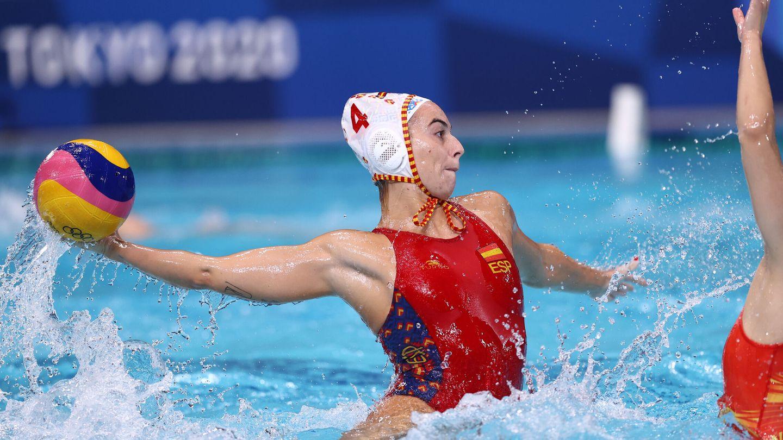 Bea Ortiz, lanzando en el partido de cuartos ante China. (Reuters)