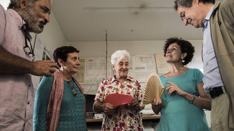 Foto: Miembros de la comunidad autogestionada que se instalará en Torrelodones (Madrid). Foto: Natalia Lázaro Prevost.