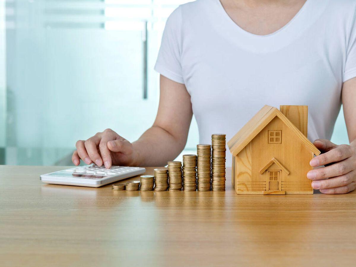 Foto: Saving money for house concept