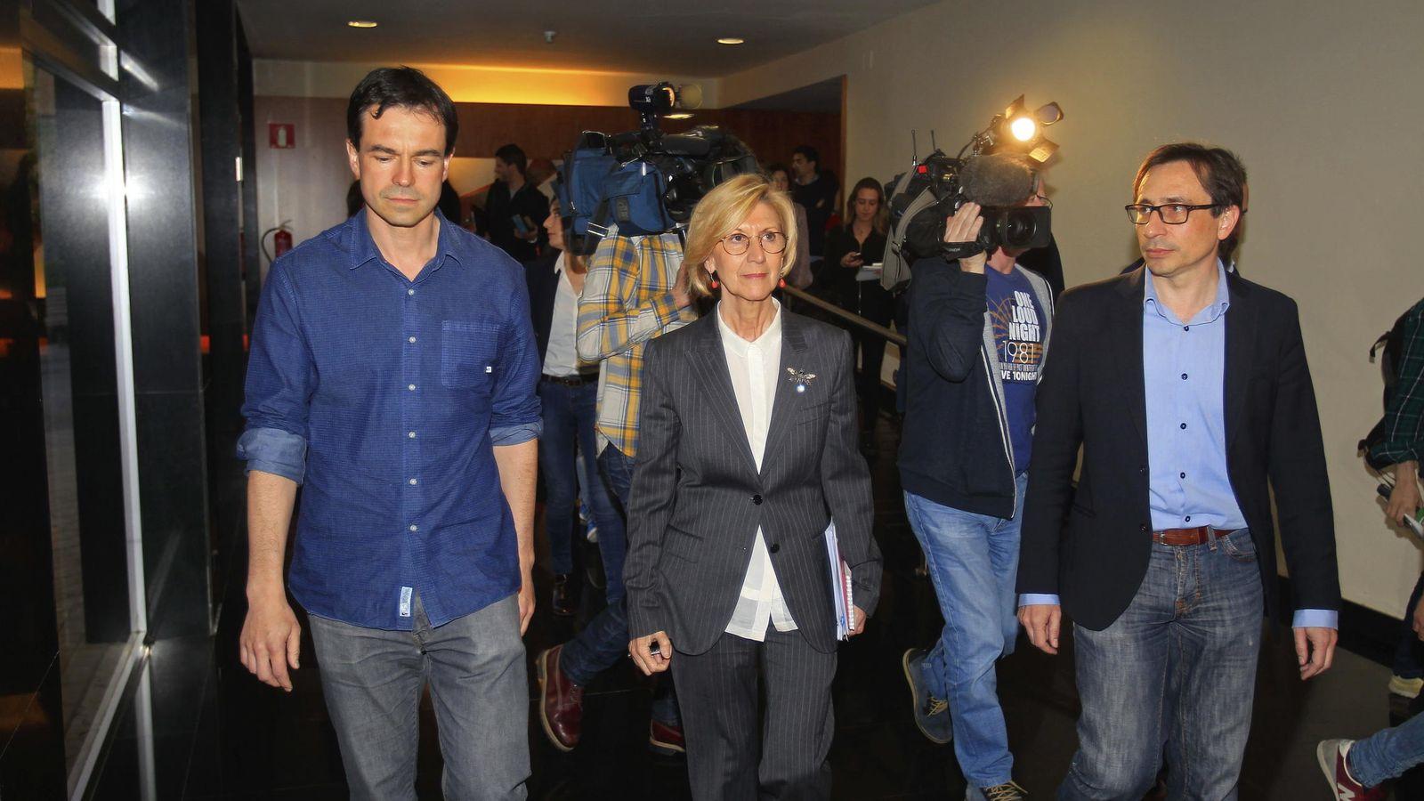 Foto: Rosa Díez acompañada de Andrés Hergoz y Ramón Marcos (Efe)