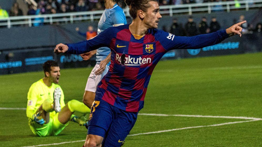 Foto: Griezmann celebra el tanto que dio al Barça el pase a octavos de Copa. (EFE)