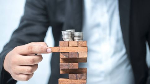 La banca maquilla la caída de la rentabilidad del crédito con el negocio de la deuda