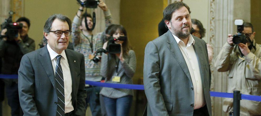 Foto: El presidente catalán, Artur Mas (CiU) (i) , y el líder de ERC, Oriol Junqueras. (EFE)