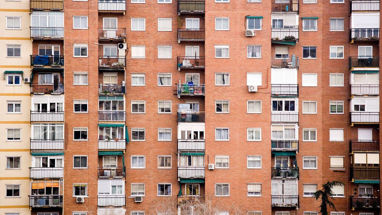 La casa de tus padres y el ataque de los clones: la curiosa arquitectura de periferia