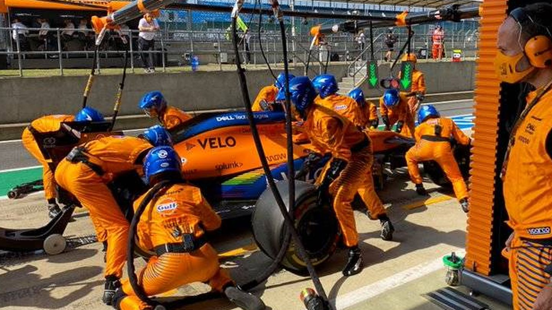Sainz reconoce que las paradas en boxes son un problema que preocupa en McLaren