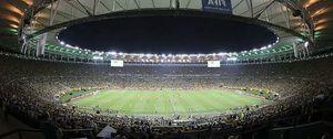 Maracaná prohibirá a los aficionados ponerse de pie y quitarse la camiseta durante los partidos
