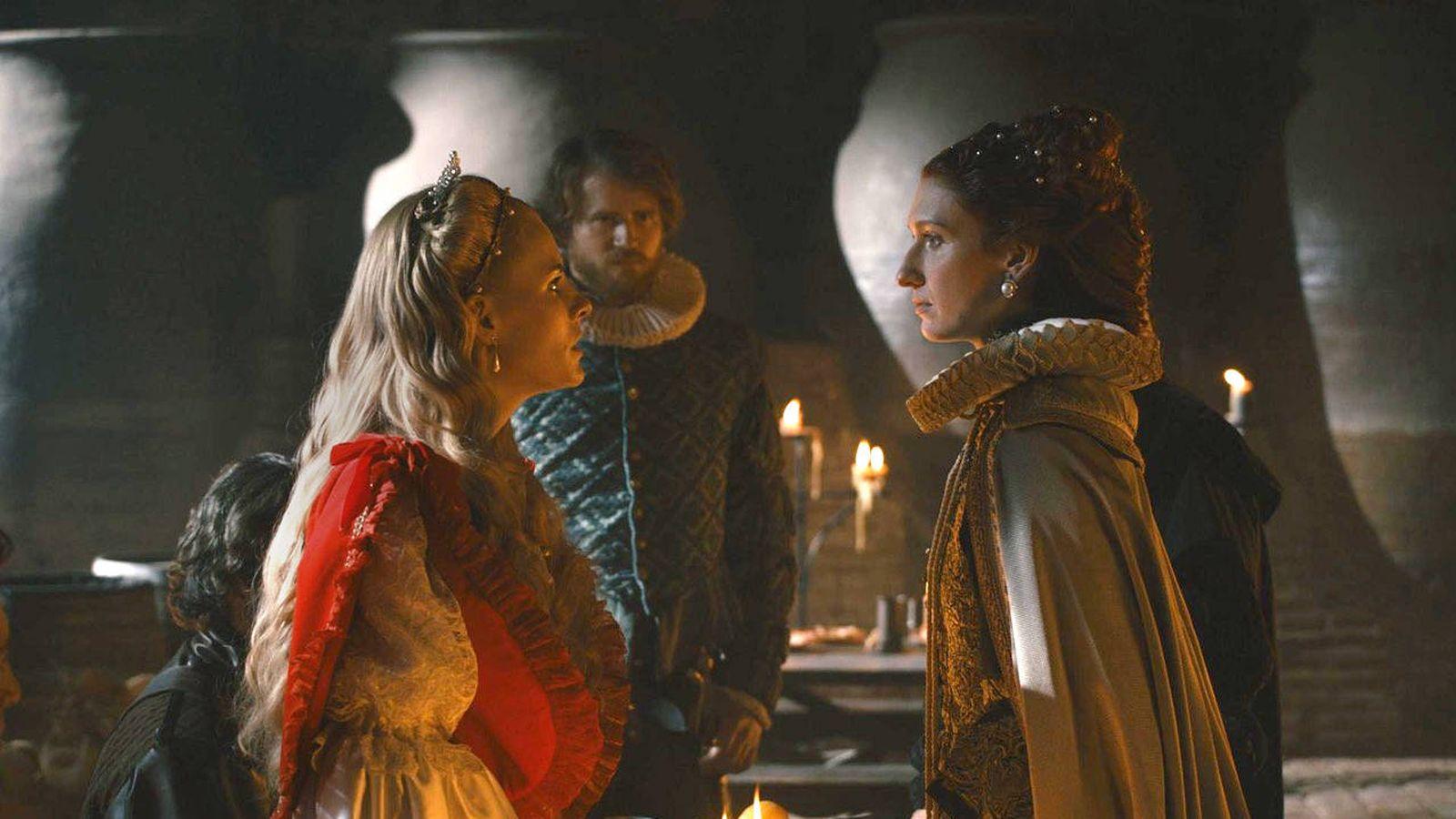 Foto: Fotograma del primer episodio de 'Reinas' (TVE)
