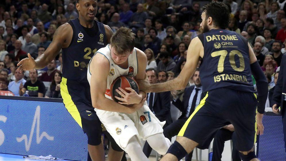 Foto: Luka Doncic anotó 14 puntos, 12 de ellos en la primera parte. (EFE)
