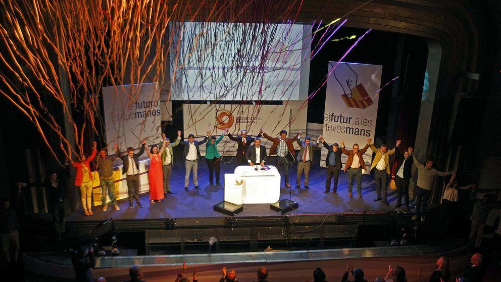 Sociedad Civil Catalana repasa el 'procés': esteladas ilegales y presión al discrepante