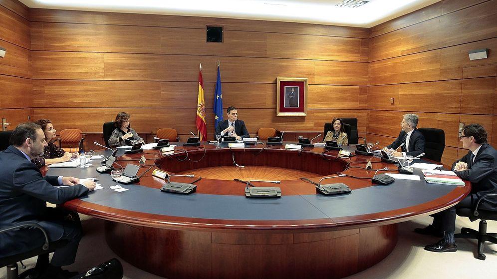 Foto: Reunión del Consejo de Ministros que ha aprobado el paquete de medidas económicas. (EFE)