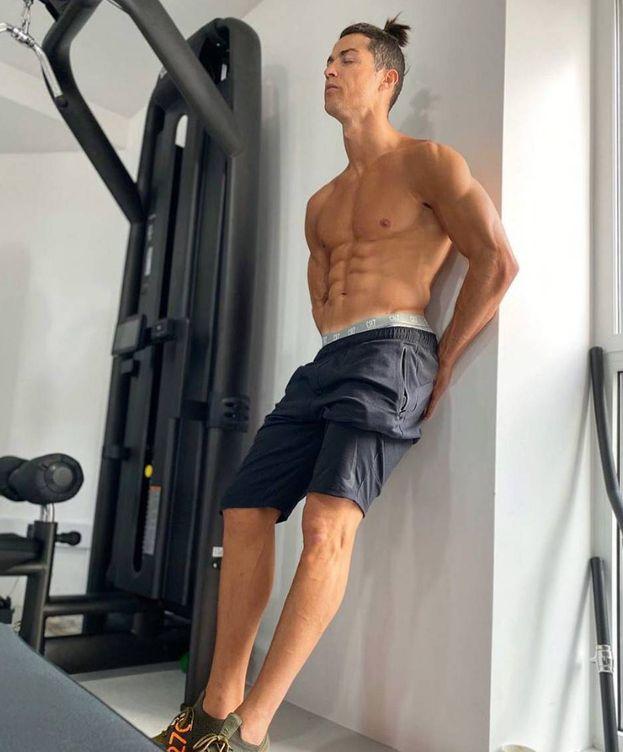Foto: Cristiano Ronaldo en el gimnasio de su casa de Madeira durante el confinamiento. (instagram cristiano)