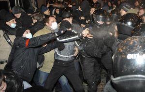 Aumenta la tensión en Ucrania: al menos un muerto tras choques