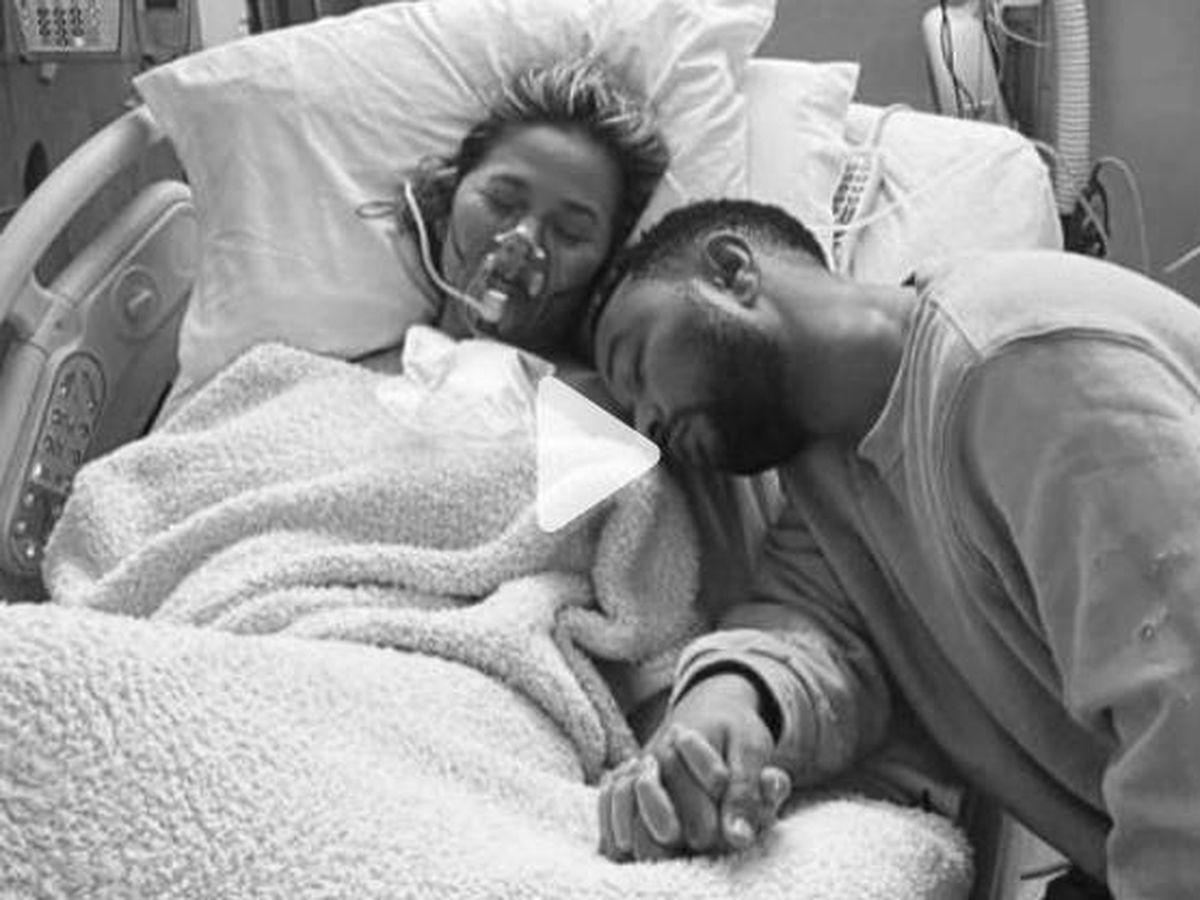 Foto:  Chrissy Teigen y John Legend, en el hospital. (IG @chrissyteigen)