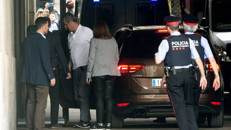 Foto: Forn, al llegar al Consistorio. (EFE)