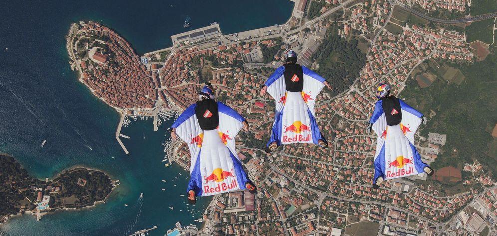 Foto: El wingsuit, una practica cada vez más de moda en todo el mundo (EFE)
