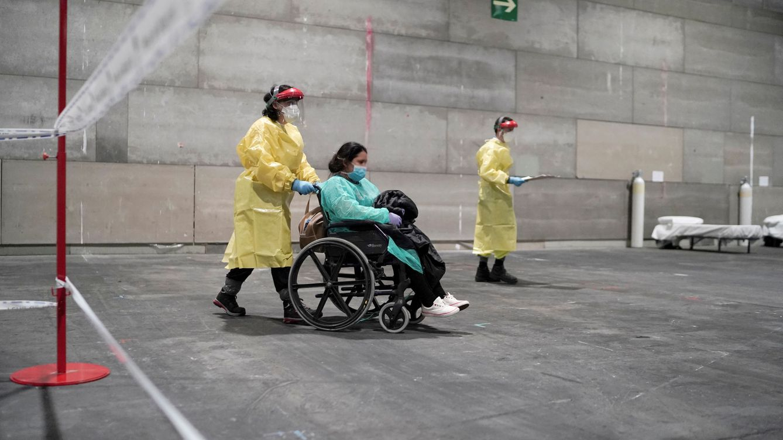 Madrid necesita personal sanitario para tratar pacientes de coronavirus en el hospital de Ifema