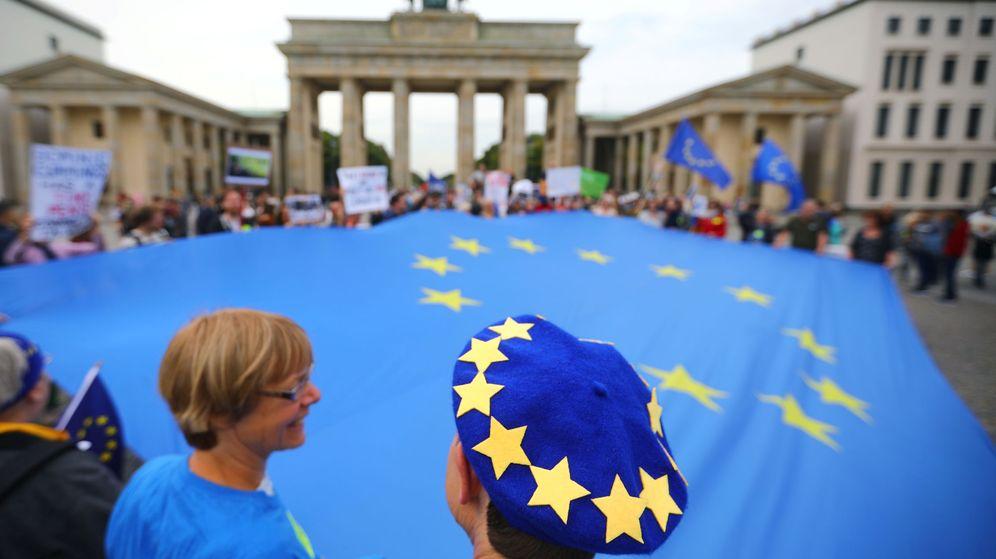 Foto: Manifestantes en Berlín contra el Brexit. (Reuters)