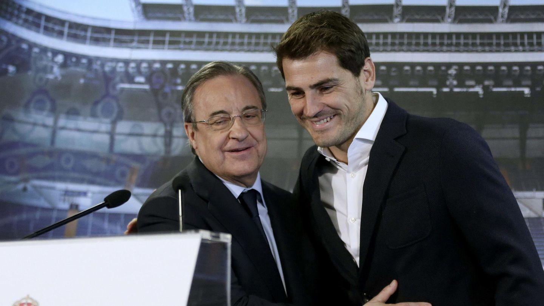 Florentino y Casillas en su despedida. (EFE)