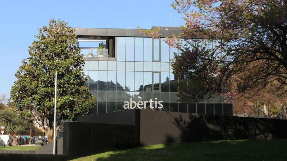 Foto: Vista de la sede de Abertis en Barcelona. (EFE)