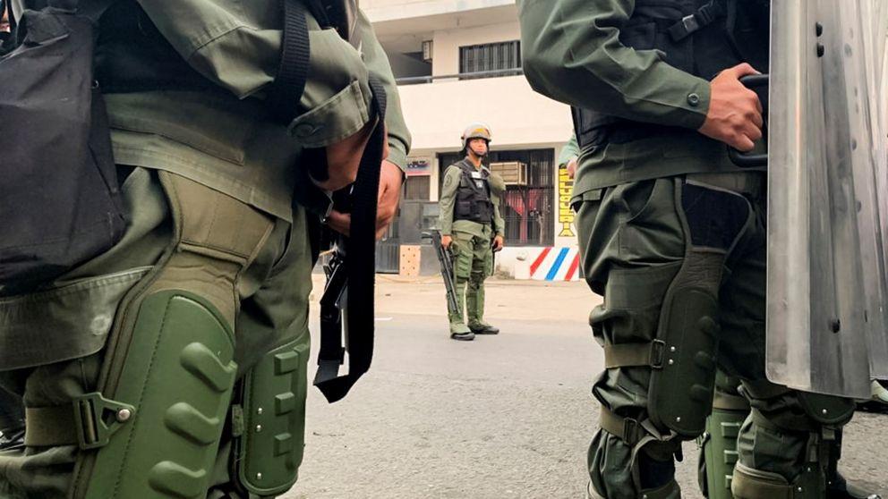 Miembros de la GNB desertan y reconocen a Guaidó