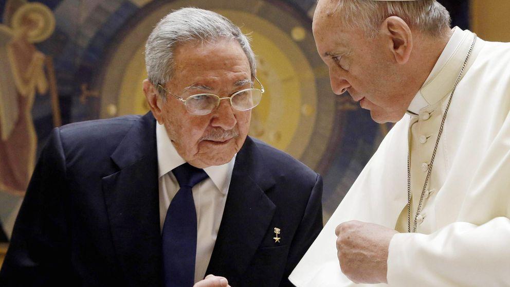 Raúl Castro, ante el Papa: Si sigue hablando así, volveré a rezar y regreso a la Iglesia