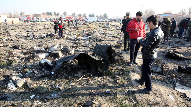 Foto: Restos del avión ucraniano estrellado en Teherán (EFE)