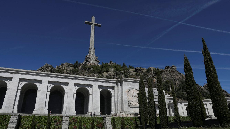 El Gobierno se enreda con el traslado de los restos de Franco del Valle de los Caídos