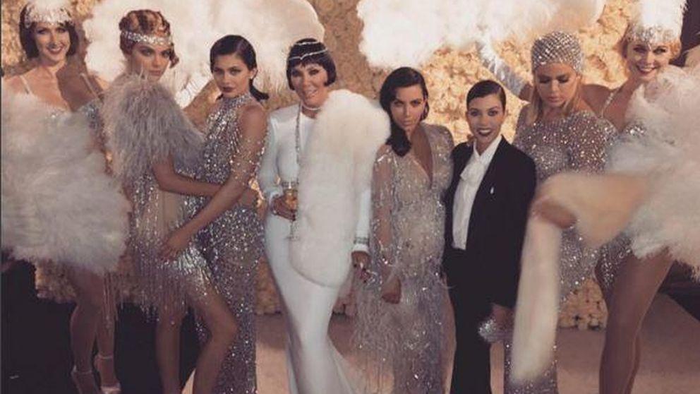 Kris Jenner celebra su 60º cumpleaños con una fastuosa fiesta inspirada en 'El gran Gatsby'
