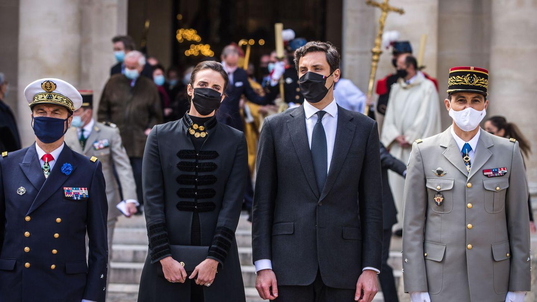 Jean-Christophe y su mujer Olympia, en el tributo por el bicentenario de la muerte de Napoleón. (EFE)