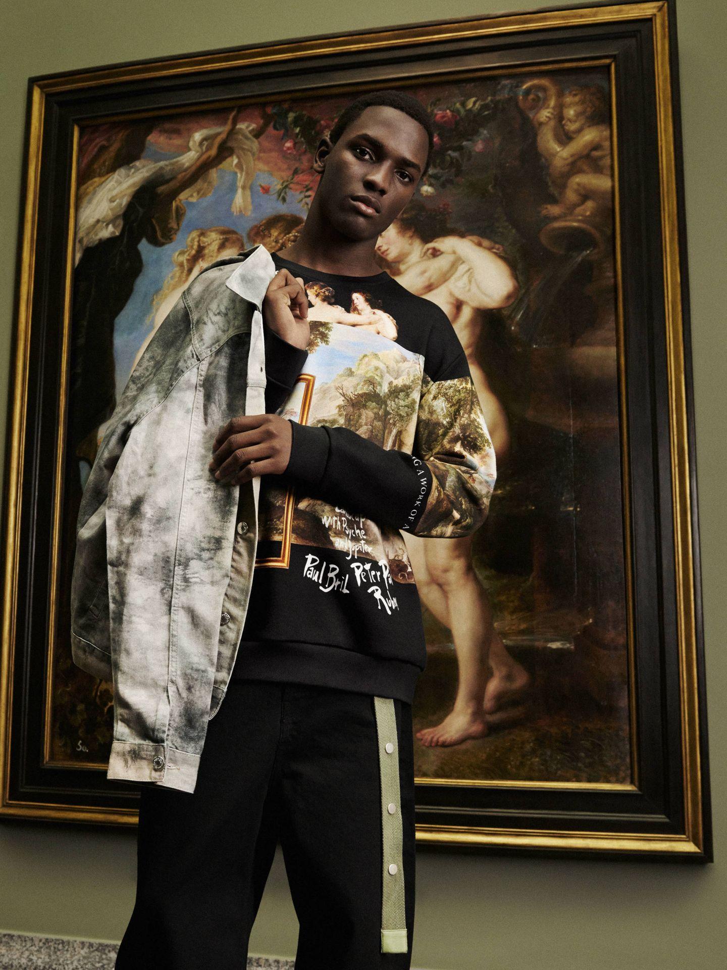 Sudadera de Becoming a Work of Art. (Zara)