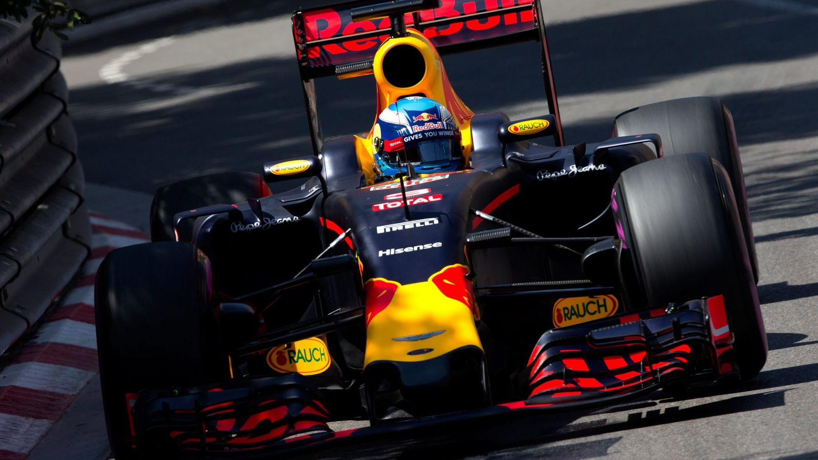 Foto: Daniel Ricciardo, este sábado, sobre el asfalto de Mónaco.