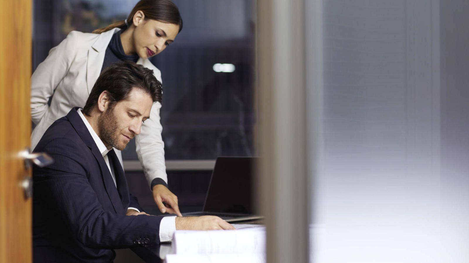 Resultado de imagen de Las 8 cosas que haces mal en el trabajo. Te van a despedir (y todos lo saben menos tú)