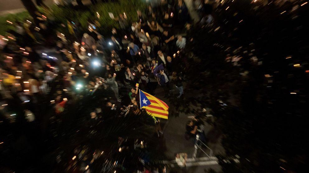 ANC y Òmnium instan a los catalanes a sacar dinero de los bancos