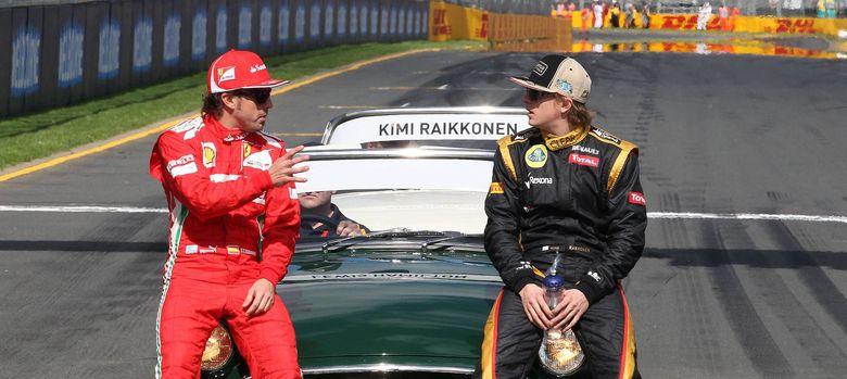 Foto: Fernando Alonso conversando con Kimi Raikkonen antes de una carrera.