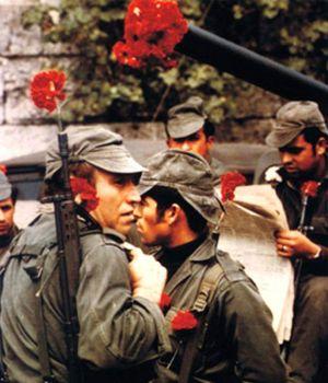Revolución de los claveles: Celeste, la mujer que hizo de esta flor un símbolo de Portugal