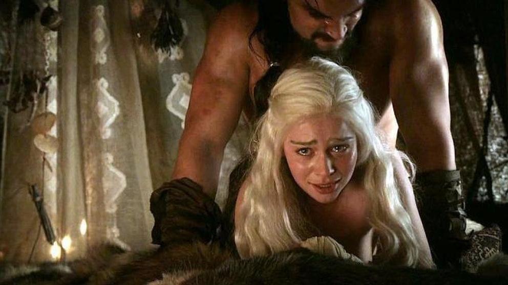 Emilia Clarke, harta del sexo en 'Juego de Tronos': Son escenas gratuitas