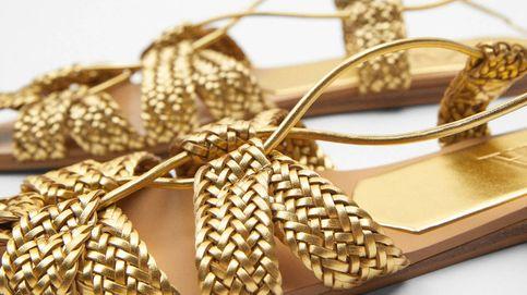 Adelántate al resto: estas sandalias doradas y cómodas de Zara serán el básico de la primavera