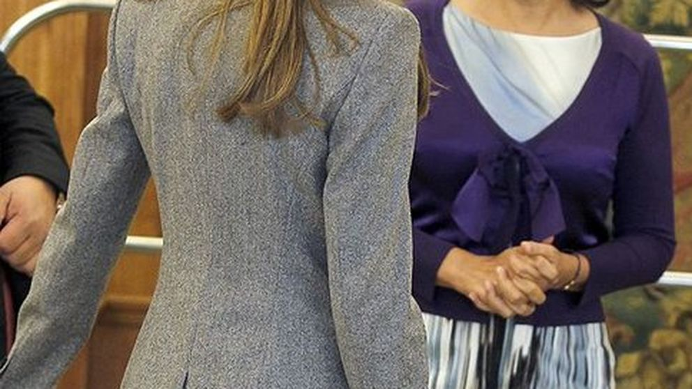 Letizia recibe a Isabel Gemio