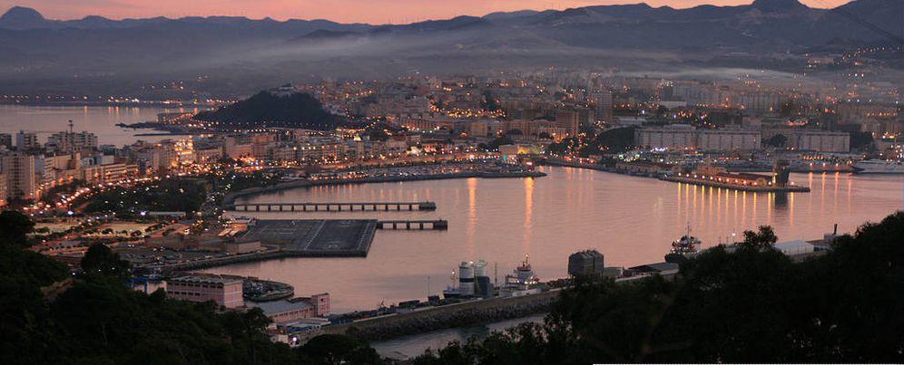 Foto: Vista aérea de Ceuta y la bahía norte desde el monte Hacho. (Wikimedia/Discasto)