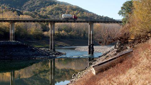 Si con la sequía tenemos la mitad de agua, ¿por qué no pagar el doble por ella?