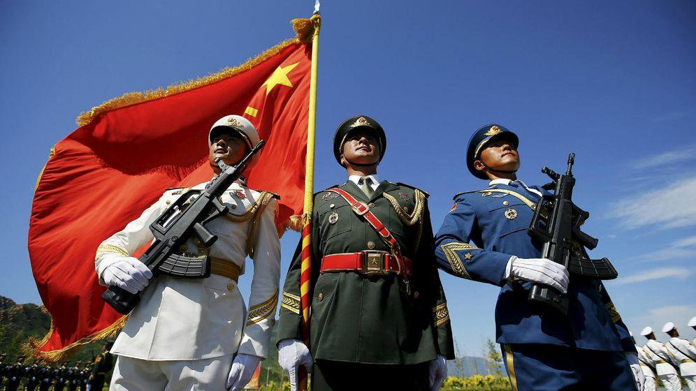 Foto: Miembros del Ejército Popular de Liberación durante el desfile de conmemoración de la IIª Guerra Mundial.