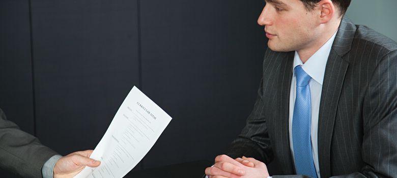 Foto: ¿Cuáles son los datos qué más llaman la atención de los seleccionadores en un currículo? (Corbis)